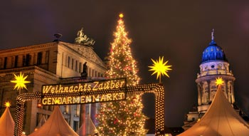 Christmas lights sightseeing Berlin: Christmas Market on Gendarmenmarkt
