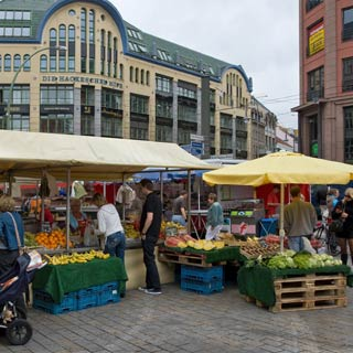Enjoy your Berlin Hop on Hop Off Tour and discover the sights at Stop Hackescher Markt.