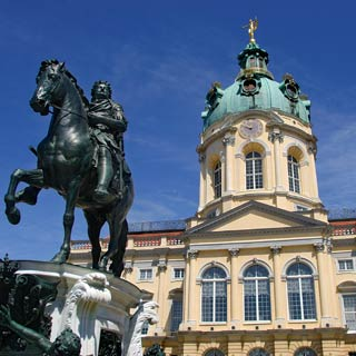 Enjoy your Berlin Sightseeing Tour. Explore the sights at Stop Charlottenburg Palace.