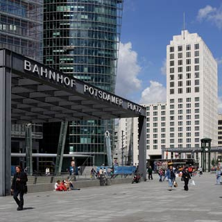 Enjoy your Berlin Sightseeing Tour. Explore the sights at Stop Potsdamer Platz.