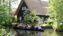 Spreewald ecursion with punting tour